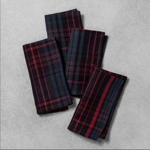 Hearth and Hand Set of 4 Red/Blue Plaid Napkins